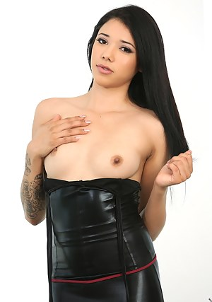 Sexy Girls Leather Porn Pictures