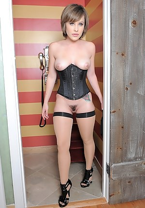 Sexy Girls Corset Porn Pictures