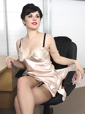 Sexy Pinup Girls Porn Pictures