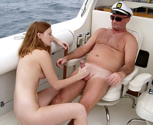 Sexy Girls Boat Porn Pictures
